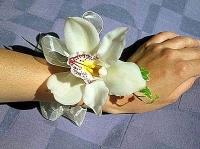 Орхидея на руку Состав: орхидея Цимбидиум- 1 шт, зелень.