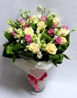 Сказочный букет Состав букета: роза розовая- 10 шт, роза кремовая- 9 шт, эустома- 10 шт.