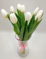 Букет 9 белых тюльпанов