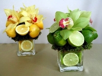 Цитрус Состав: орхидея цимбидиум- 3- 5 шт, цитрус, трахелиум, ваза стеклянная. Размер: высота 25 см. Цена указана за 1 композицию!