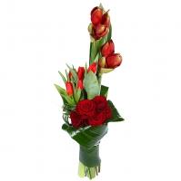 Царица Состав букета: амариллис- 2 шт тюльпан- 6 шт роза- 5 шт аспидистра- 6 шт. берграсс