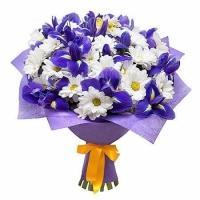 Бусинки Состав букета: ирис синий -15 шт, хризантема белая- 10 шт. Оформление: флизелин