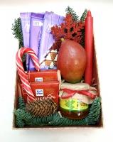 Коробка 5 Состав: леденец посох 1 манго 1 шт мед 0.270г шоколад Милка 3 шт свеча риттер спорт 2 шт снежинка шишки ветки ели