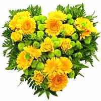Волнующая радость Состав:роза желтая- 5 шт, гербера желтая- 13 шт, хризантема Филин грин- 10 веток, зелень. По Вашему усмотрению, цветовая гамма, а также цветочный состав композиции может изменяться.