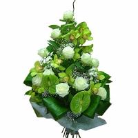 Приятное знакомство Состав букета: роза белая- 11 шт, антуриум- 3 шт, орхидея- 1 ветка, гипсофила, бамбук- 1 шт, хризантема Филин грин- 3 шт, аспидистра, зелень. Оригинальная композиция украсит Ваше торжество. Такой сюрприз не оставит равнодушным его обладателя.
