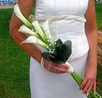 Букет невесты № 88 Состав букета: калла- 5 шт, зелень.