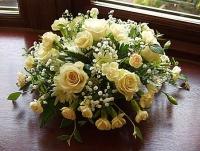 Оттенки нежности Состав: гвоздика кустовая- 20 шт, гипсофила, роза - 5 шт, зелень. Размер: 30 см.