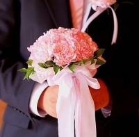 Букет невесты № 277 Состав букета: гвоздика- 23 шт. Бутоньерка для жениха в подарок!