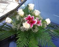 Композиция 08 Состав: роза- 9 шт, лилия- 1 ветка, гипсофила, зелень.