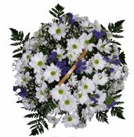 Белая ночь Состав корзины: хризантема- 5 веток, гипсофила, статица, зелень, корзина. Размер: 35 х 35 см.