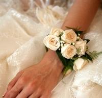 Нежные розочки Состав: роза кустовая, гипсофила, зелень.