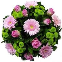 Весенний карнавал Состав: гербера- 7 шт, роза- 10 шт, хризантема - 5 шт, зелень.