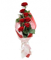Чудесное настроение Состав корзины: роза красная- 7 шт. Оформление: флизелин флористический. Размер: 60- 70 см.