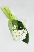 Ласточка Состав: хризантема- 1 шт, зелень, оформление. Минимальный заказ- 5 букетов!