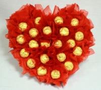 Сердечко красное Состав: конфеты Вечерний Киев- 21 шт Размер: 30 см