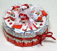 Детский сюрприз Состав: шоколадки, яйца, печенье детское- 1 кробка