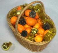 Корзина сладких мандарин Состав: манадрины- 6 кг, новогодний декор Размер: 30 см