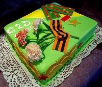 Торт Защитнику Вес торта: 3 кг Заказывать торт необходимо за 3- 4 дня до момента доставки! Доставка торта возможна только по Киеву и области. Выберите начинку для торта: ФруктовыйНежный ванильный бисквит, пропитанный сахарным сиропом. Крем из натуральных, взбитых сливок с кусочками фруктов (персик, киви, ананас, груша, вишня, ягоды по сезону). Шоколадно-вишневыйШоколадный бисквит, пропитанный вишневым сиропом (по желанию с коньяком), взбитые сливки с вишней и кусочками шоколада. СметанникШоколадный и ванильный бисквит, сметанный крем (по желанию с добавлением орехов и кусочками шоколада). ЛакомкаТрадиционный белый бисквит, пропитанные карамельным сиропом, нежный крем из взбитых сливок с добавлением сгущенки-ириски с вишней. Птичье молоко Нежный бисквит(ванильный или шоколадный, на выбор), пропитанный ванильным сиропом. Крем— суфле птичье молоко скусочками белого ичерного шоколада. Золотой ключик Ореховый бисквит, пропитанный кофейным сиропом, крем на основе вареной сгущенки с жаренными грецкими орехами. ТрюфельныйШоколадный бисквит с кусочками шоколада, ромовая пропитка, шоколадно трюфельный крем с кусочками шоколада. Медовик Тонкие медовые коржи, сметанный крем, чернослив, курага и грецкий орех. (Можно без сухофруктов или на выбор).