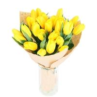 Букет Желтые тюльпаны Состав букета: тюльпаны желтые- 25 шт Оформление: бумага Размер: 50 см