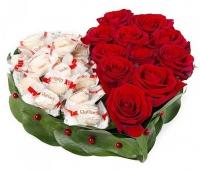Моё сердце Состав: розы красные- 11 шт конфеты Raffaello- 15 шт форма-оазис