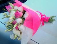 Букет Нежность Состав букета: розы розовые- 9 шт эустома белая- 10 веток Оформление: флизелин