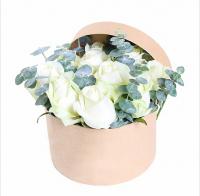 Коробочка 11 роз Состав: роза белая- 11 шт эвкалипт декоративная коробочка