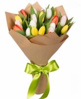 История любви Состав букета: тюльпан разноцветный- 19 шт Оформление: бумага