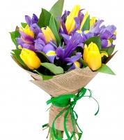 Потанцуй со мной Состав букета:  тюльпан- 6 шт ирис- 7 шт зелень салал Оформление: бумага