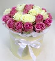Коробка белое и розовое
