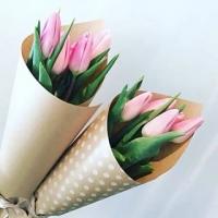 Корпоративный букет 5 тюльпанов